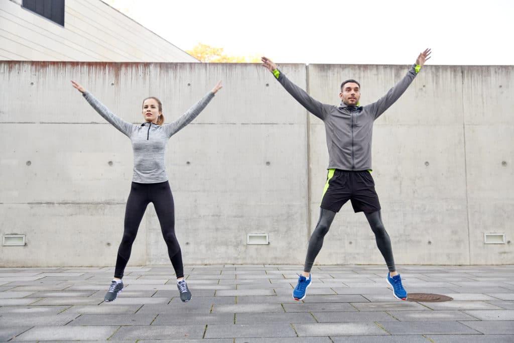 Pleins feux sur l'exercice: Jumping Jacks